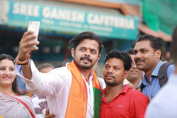 Candidates busy clicking selfies with voters but is it wooing young Kerala