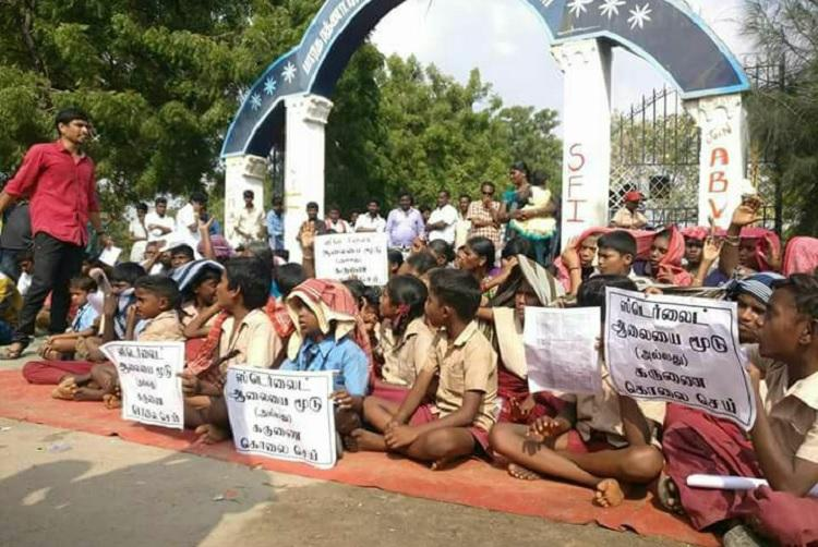 Copper plant polluting our water 270 held for protesting Sterlite expansion in TN