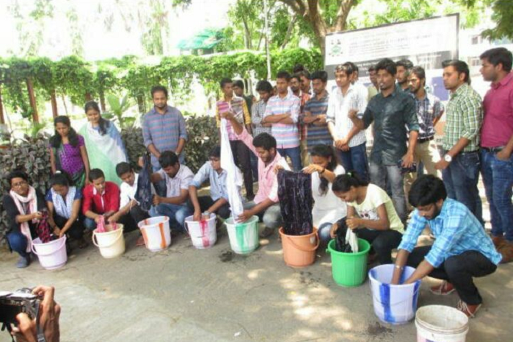 Will earn more washing clothes for a living than with this degree tn students protest the - Wrong wash clothesdegrees ...
