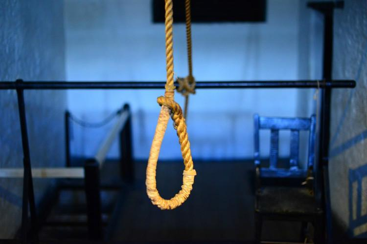 Senior policeman in Bluru allegedly commits suicide 4 months after sons disappearance