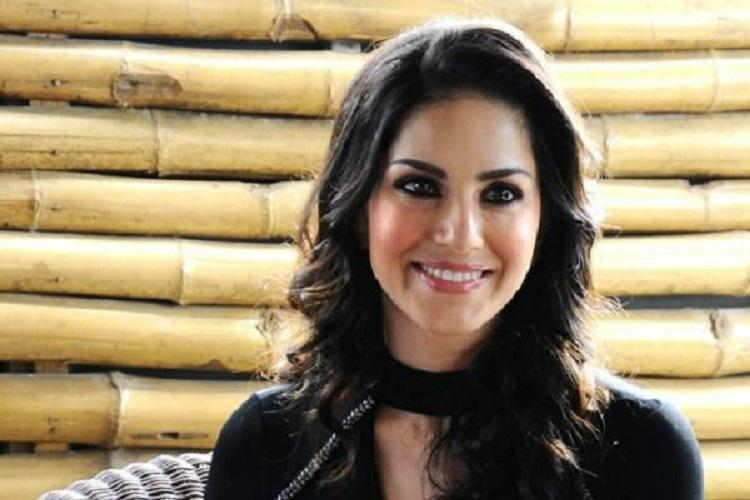 Sunny Leone can perform in Bluru but event should have Kannada songs Ktaka activist