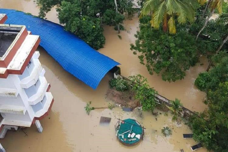 Thiruvananthapuram techno park surrounded by Floods of water