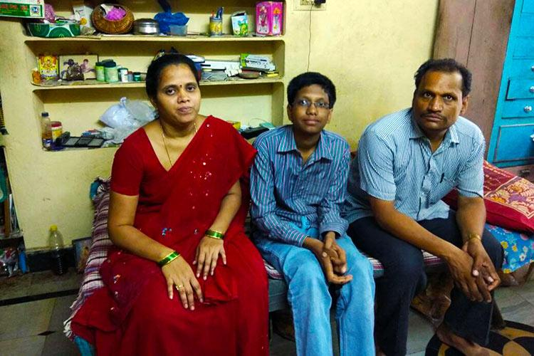 They sold samosas to educate their son he did them proud with 64th rank in IIT-JEE
