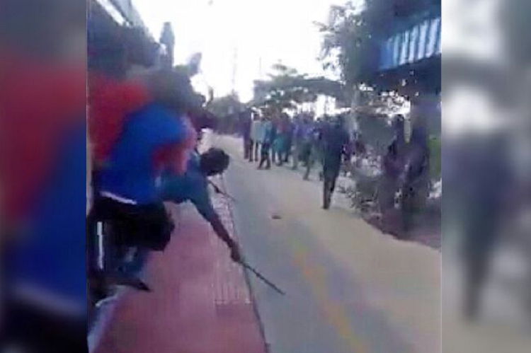 Video of men brandishing weapons on Chennai train Cops arrest 4 Presidency College students