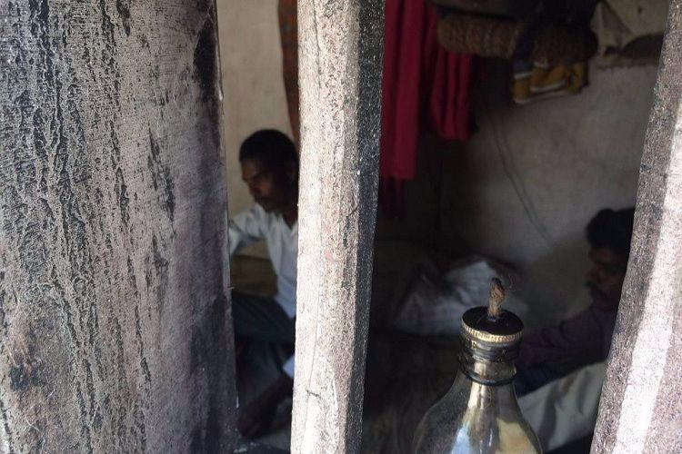 Three years a slave TN man replicates tiny hut he lived in as bonded labourer to spread awareness