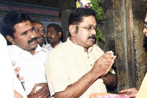 Thambidurai Dhinakaran meet Sasikala in prison ahead of presidential elections and merger talks