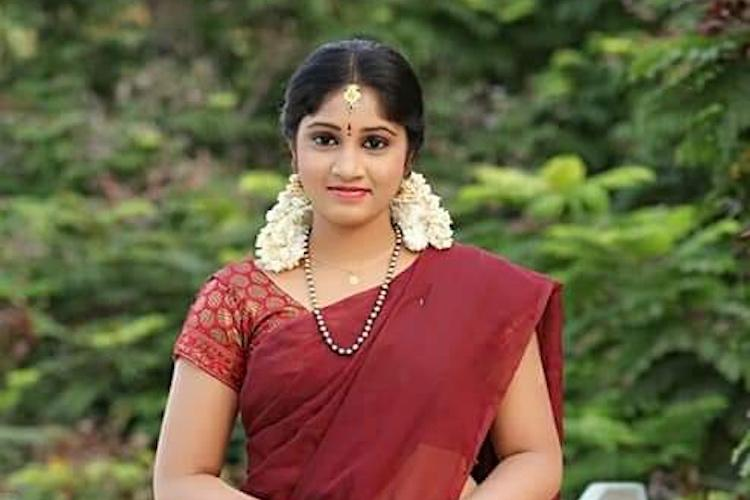Telugu TV actor Naga Jhansi kills herself in Hyderabad, police investigate