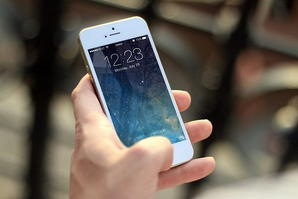 Smartphone addicts report higher levels of depression loneliness Study