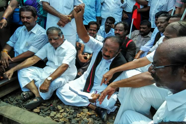 Cauvery row 600 farmers detained in rail roko
