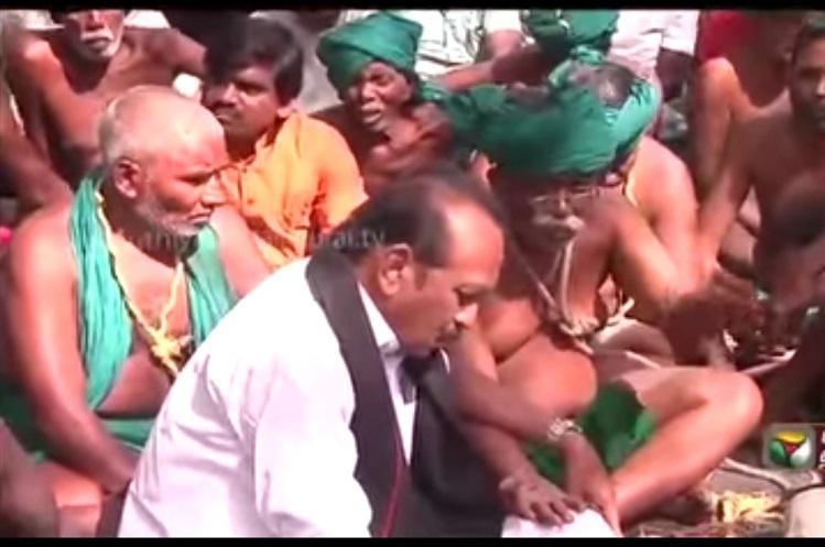 Vaiko meets protesting farmers in Delhi promises agitation if Centre doesnt meet demands