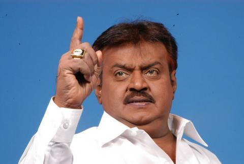 Police complaint registered against Vijaykanth for spitting on a journalist
