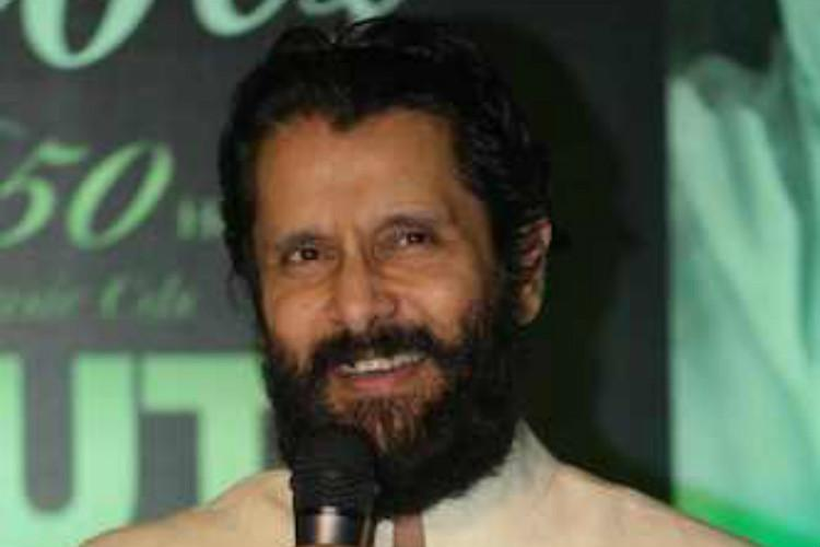 Has Vikram signed Biju Menons Rosapoo