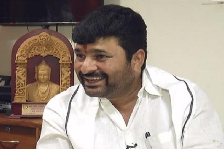 Ktaka BJP demands resignation from Minister Vinay Kulkarni over party activist murder