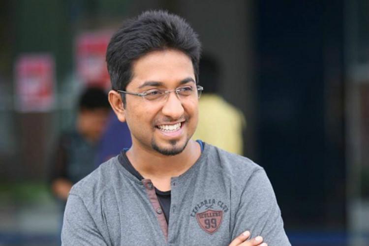 Vineeth Sreenivasan to play hero in Aravindante Adhithikal