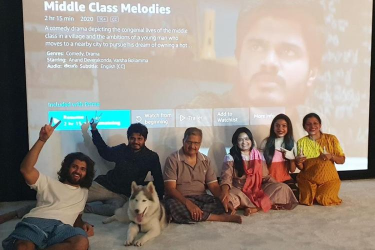 Vijay Deverakonda watches Middle Class Melodies with family