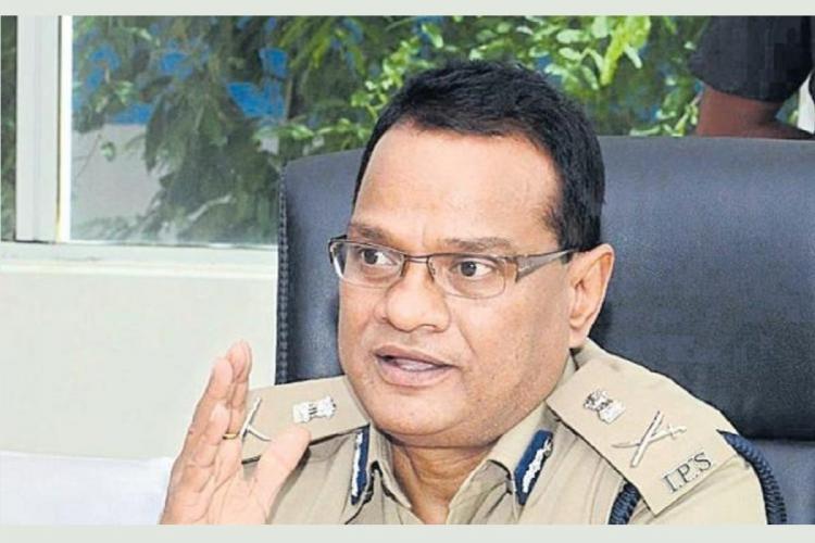 Senior IPS officer VK Singh addresses a meeting