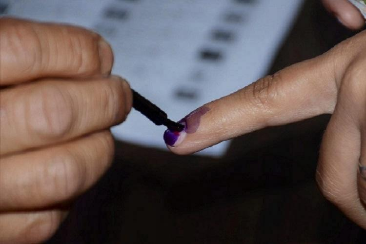 Inking finger before polling