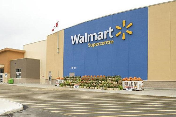 Walmart sacks 50 executives in India