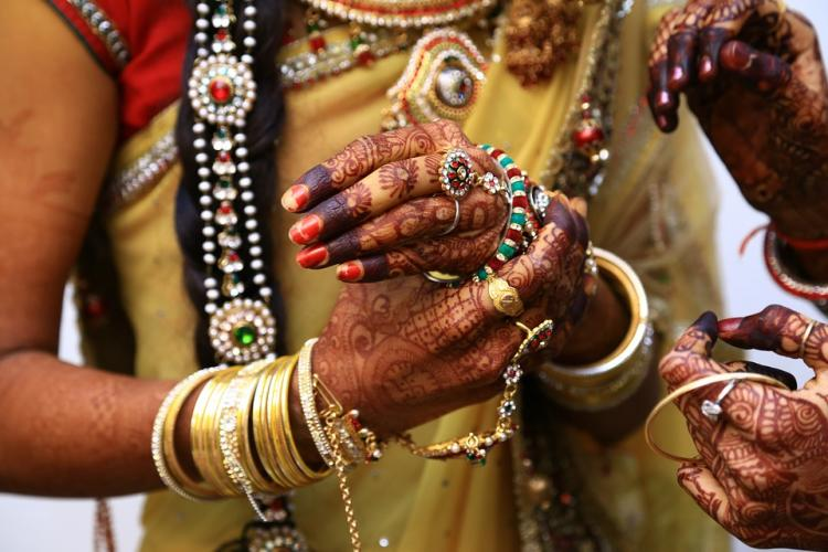 Why incur loss by buying a husband and family Kerala woman cancels wedding in style