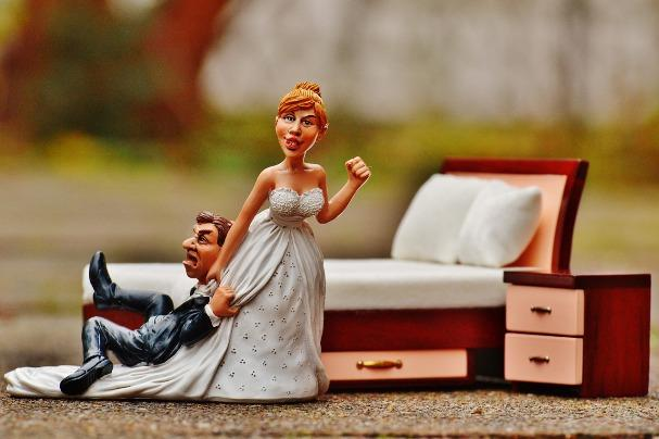 Resultado de imagen para girl in long term relationship