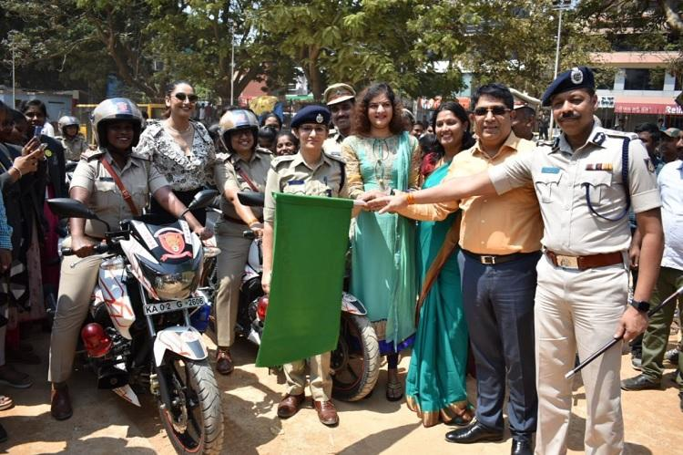 Policewomen to patrol Bengaluru streets on motorbikes and Hoysala vehicles