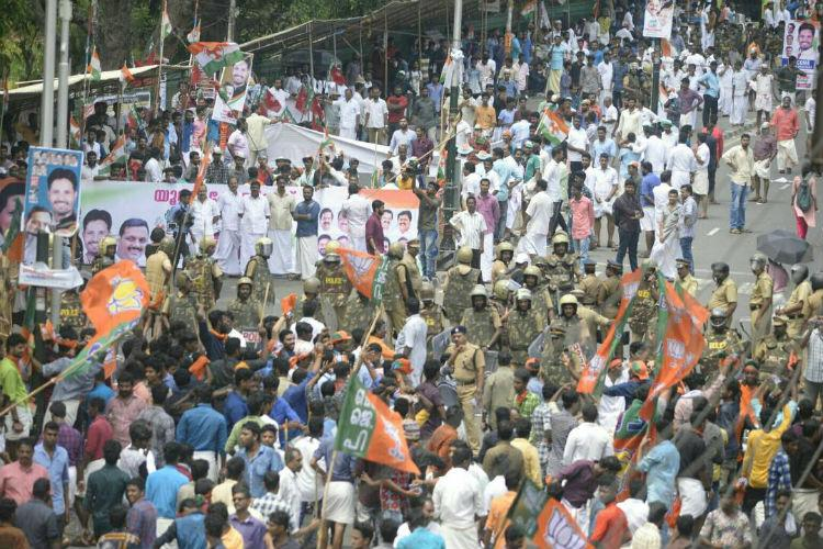 Congress and BJPs youth wings march against Kerala Left govt then fight with each other
