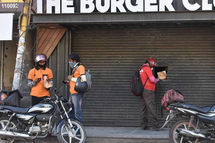 Zomato and Swiggy delivery executives