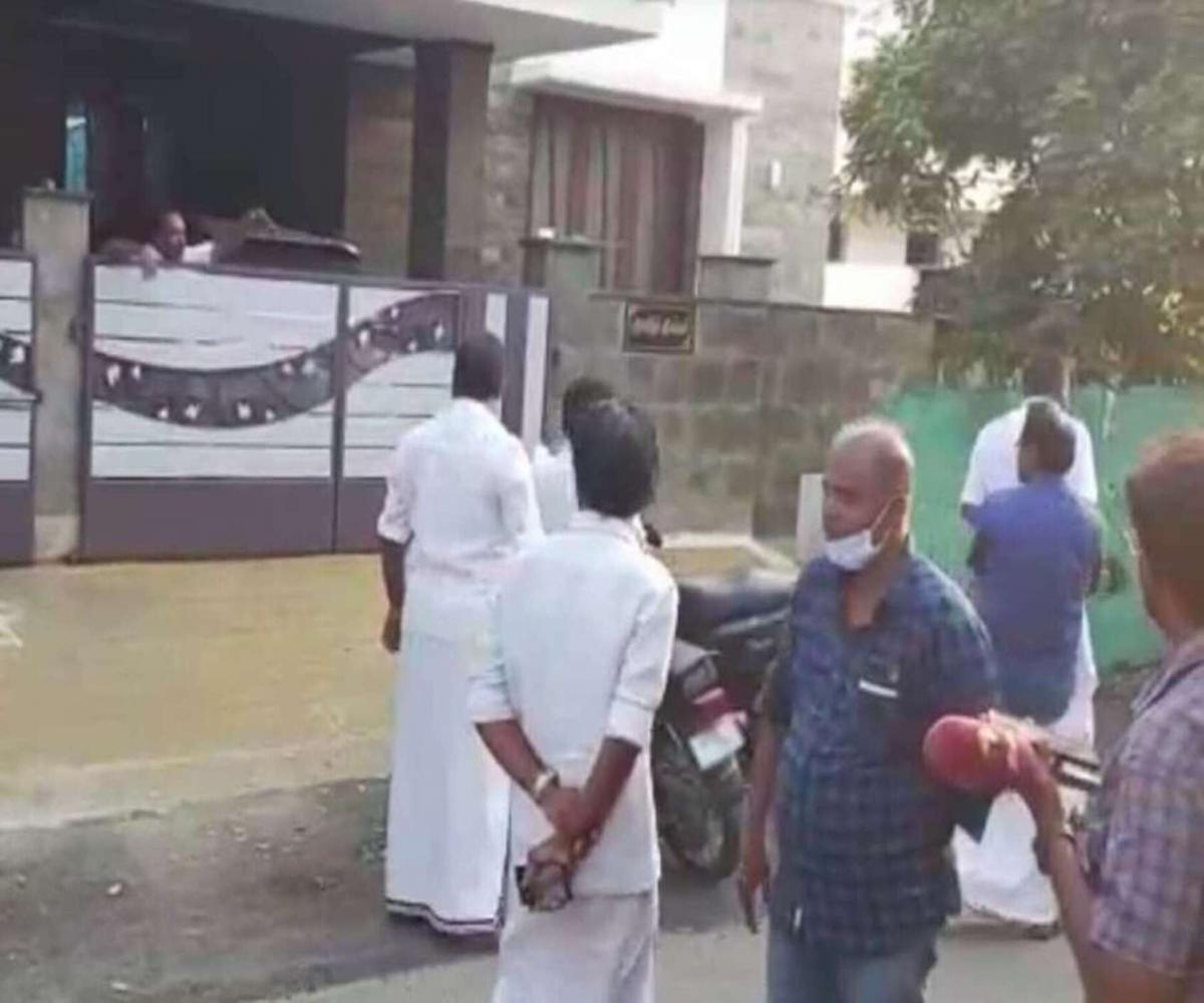 I-T searches at homes and offices of DMK, MDMK, MNM functionaries in Tiruppur