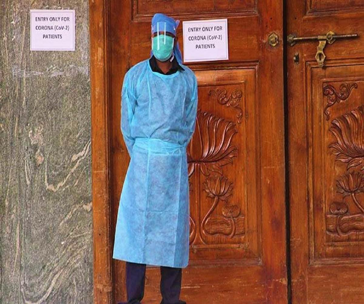 A frontline worker during the coronavirus pandemic in India