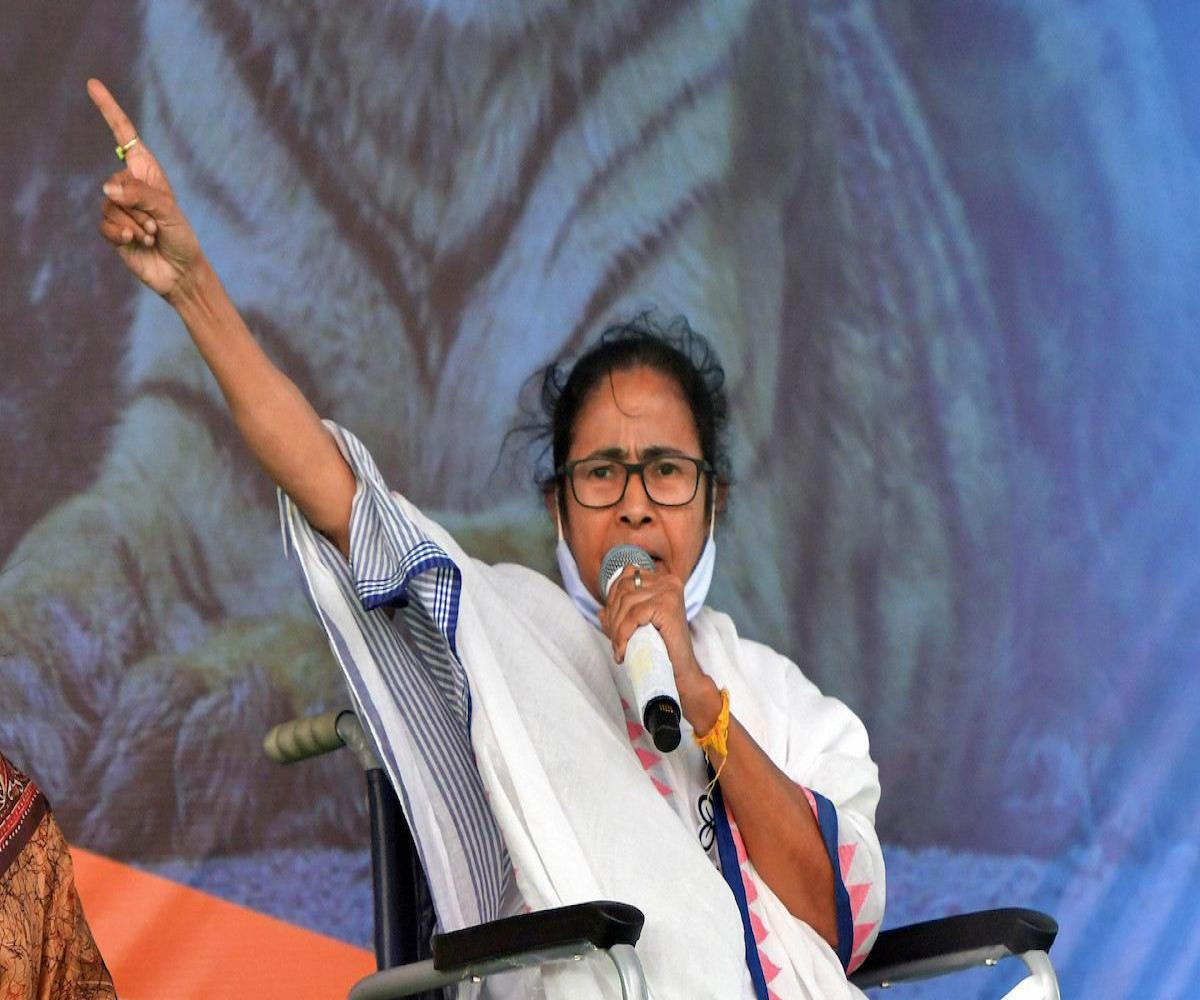 Mamata writes to opposition leaders, calls for united struggle against BJP
