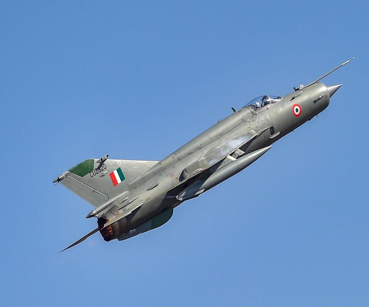 IAF pilot killed in MiG-21 aircraft crash during training mission in central India