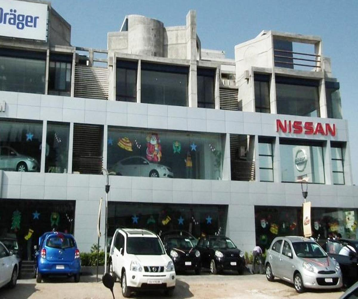 Renault-Nissan workers oppose TN govt's decision to let automobile companies operate