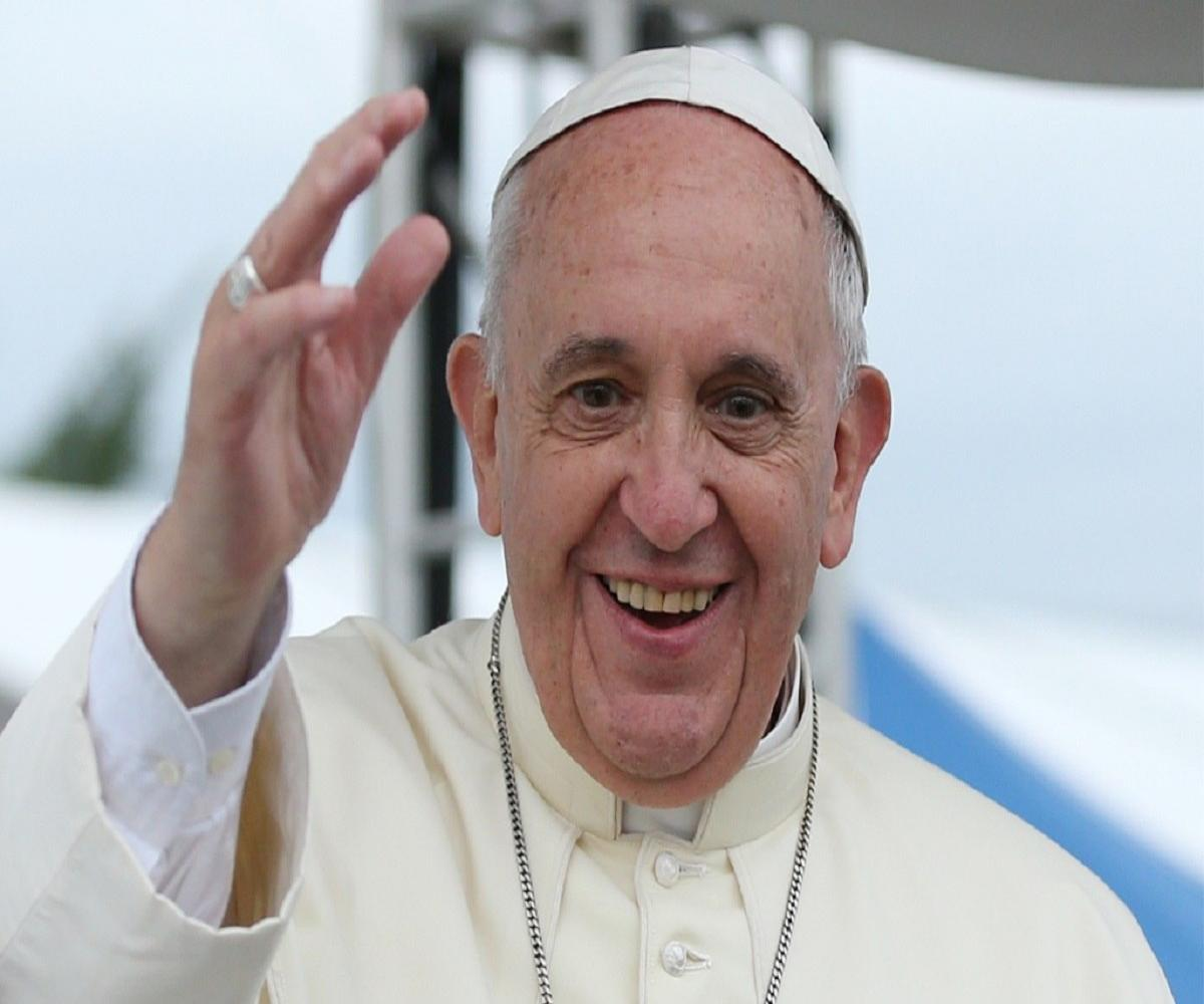 Pope Francis orders pay cuts to Vatican employees to prevent layoffs