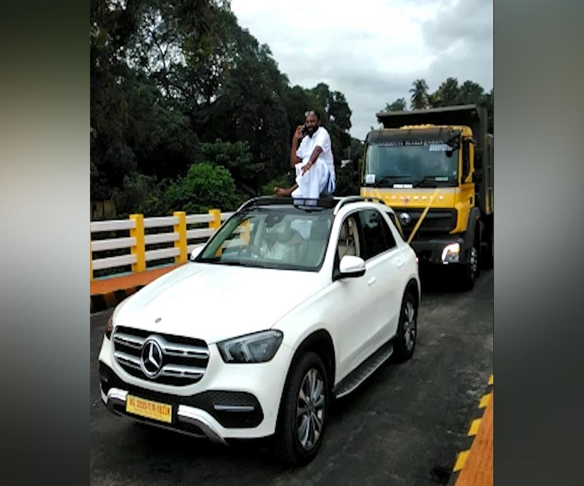 Video Kerala Businessman Holds Roadshow With New Mercedes Benz Booked The News Minute