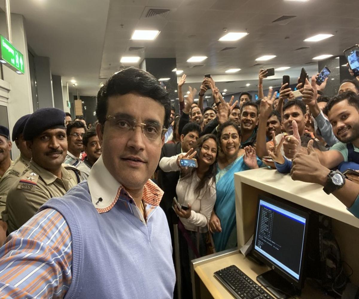 Image result for <a class='inner-topic-link' href='/search/topic?searchType=search&searchTerm=SOURAV GANGULY' target='_blank' title='sourav ganguly-Latest Updates, Photos, Videos are a click away, CLICK NOW'></div>sourav ganguly</a> greeted by Fans at <a class='inner-topic-link' href='/search/topic?searchType=search&searchTerm=BENGALURU 1' target='_blank' title='bengaluru-Latest Updates, Photos, Videos are a click away, CLICK NOW'>bengaluru</a> Airport