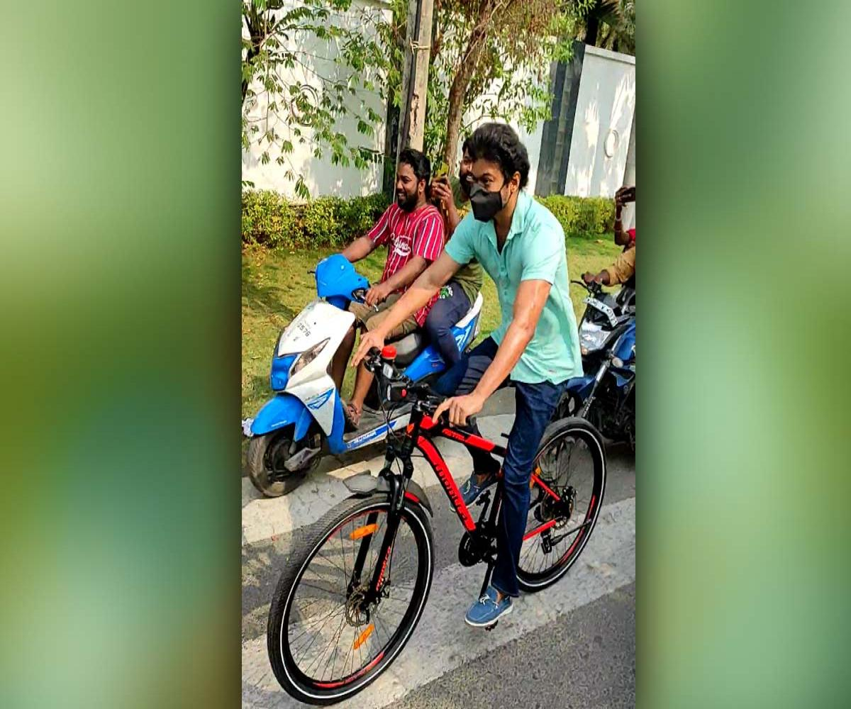 What happened to Vijay's cycle after the actor's sensational poll booth entry