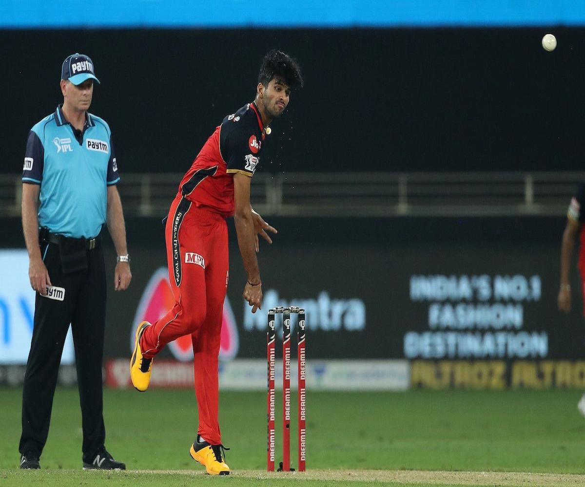 Washington Sundar S Spell Stands Out In High Scoring Rcb Mi Game The News Minute