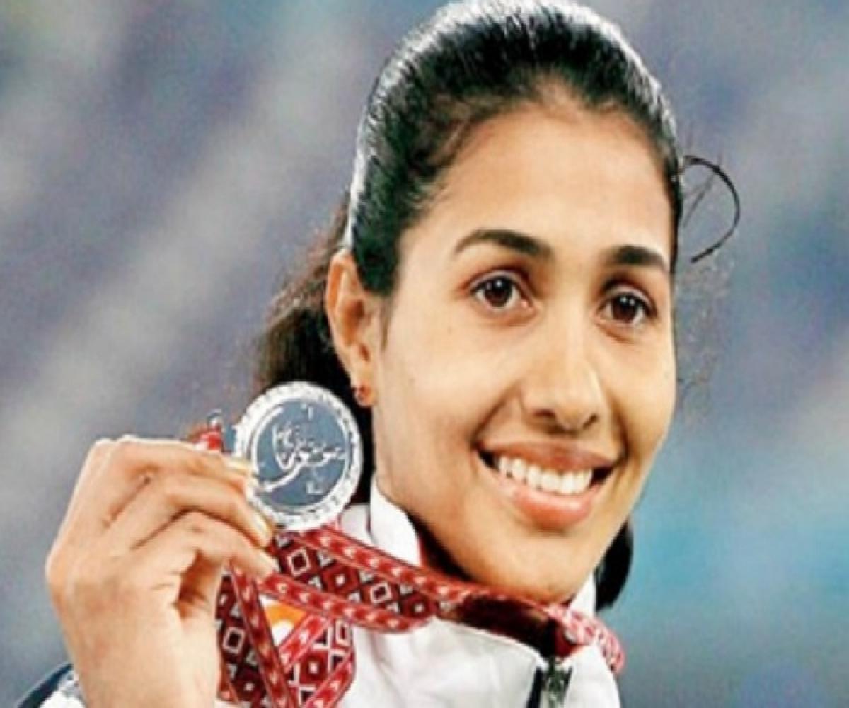 Kerala Athlete Anju Bobby George Hottest Pics on Internet
