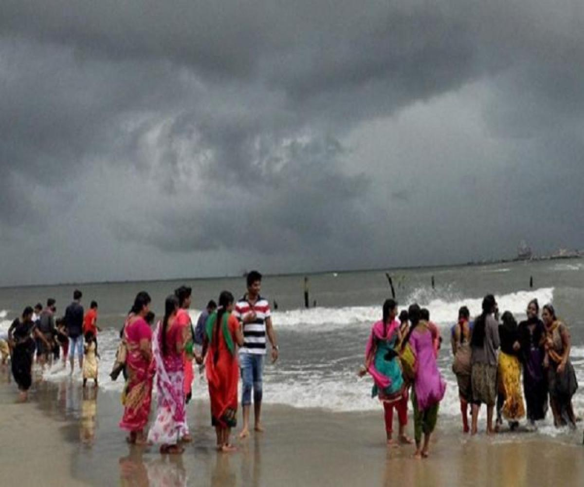 11de1b5b5b26e Relief for drought-hit TN at last? Northeast monsoon to hit state on Friday