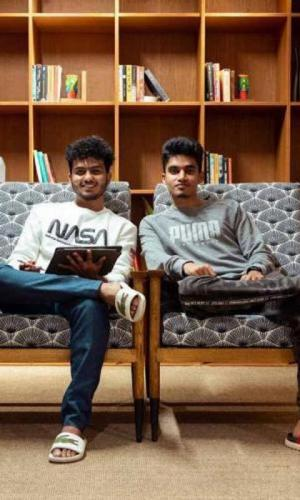 Havenspire co-founder Akash Jayan and Ritvik Vipin sitting on a couch
