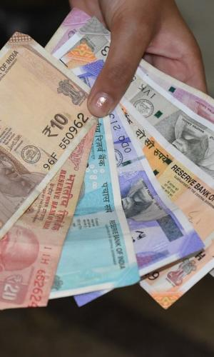 No plans to withdraw old Rs 100, Rs 10 and Rs 5 currency notes: RBI