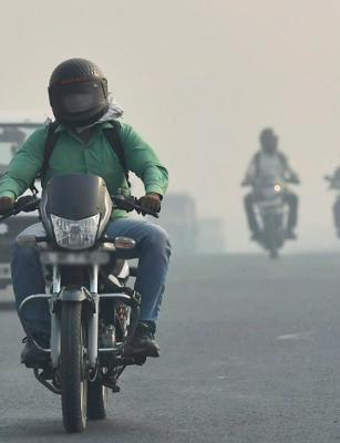 Rs 500 fine for two-wheelers without rearview mirror, working indicator in Bengaluru