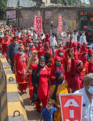 Farmers protest in Telangana, TN, Punjab and Haryana against contentious farm laws