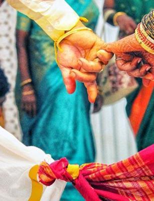 No cards, but 'codes': This Madurai wedding had a new virtual way to send gifts