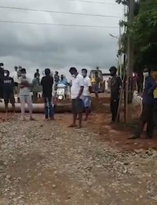 B'luru residents stop burial of COVID-19 patient, reportedly pelt stones at ambulance
