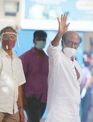 Rajinikanth asks RMM office bearers opinion on political entry, final decision later