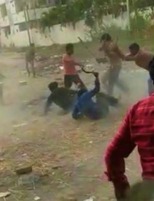 Video: Two groups indulge in street brawl in Vijayawada with sticks, stones and knives