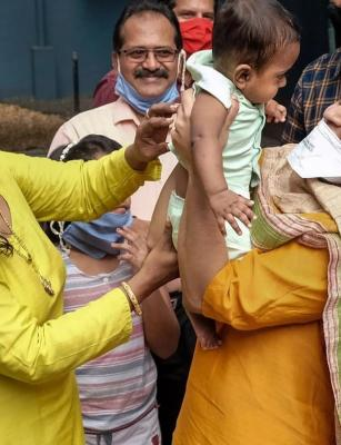 Kerala CM thanks woman who fostered six-month-old baby whose parents got COVID-19
