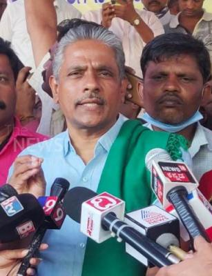 Karnataka RTC workers' strike: Union leader Kodihalli Chandrasekhar detained