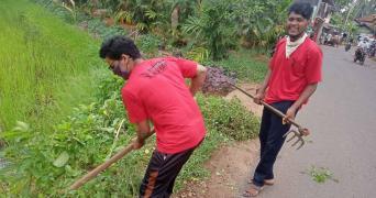 Volunteers in Kerala work for pre monsoon cleaning